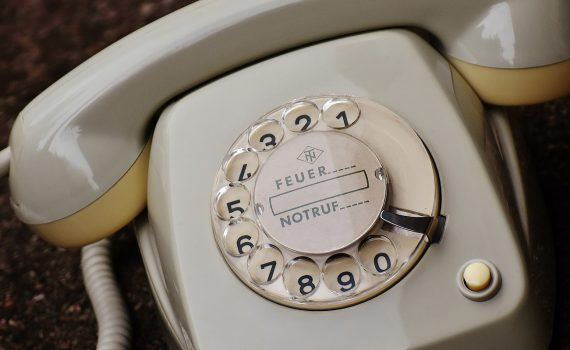 old-phone-1672767_1920